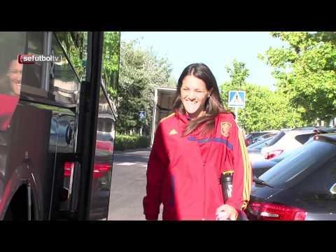 La Selección española femenina ya está en Murcia, así ha sido su viaje