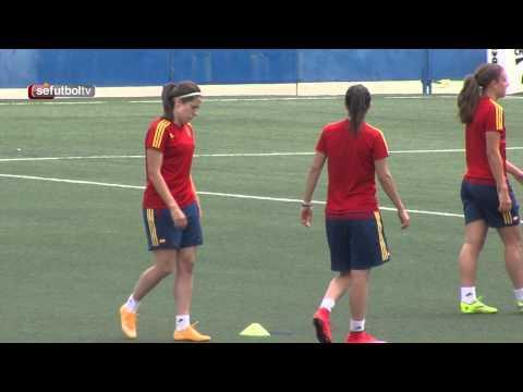 La Selección española afina su puntería sobre el césped murciano