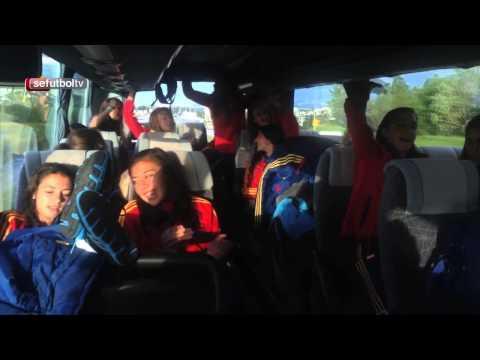 Nos colamos en el autobús de la Sub-17 para ver cómo celebran el pase a semis