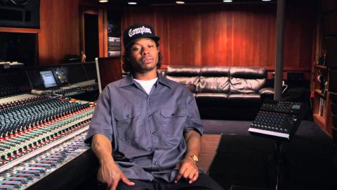 """Straight Outta Compton: Jason Mitchell """"Eazy-E"""" Behind the Scenes Movie Interview"""