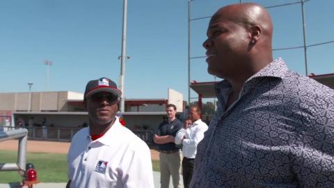Frank Thomas visits MLB Urban Youth Academy