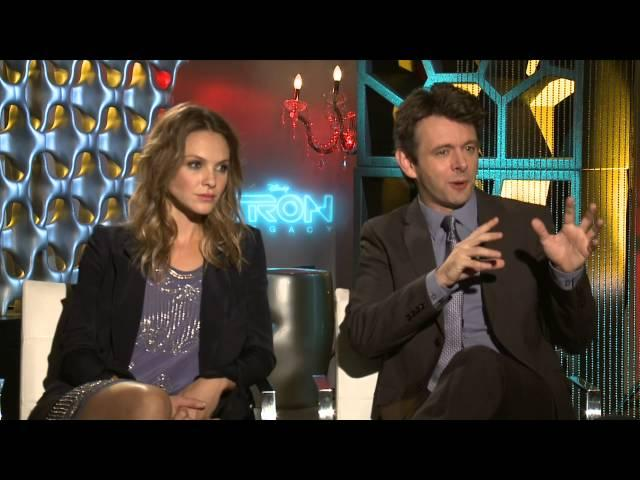 """TRON Legacy: Beau Garrett """"Gem"""" & Michael Sheen """"Castor/Zuse"""" Exclusive Interview"""