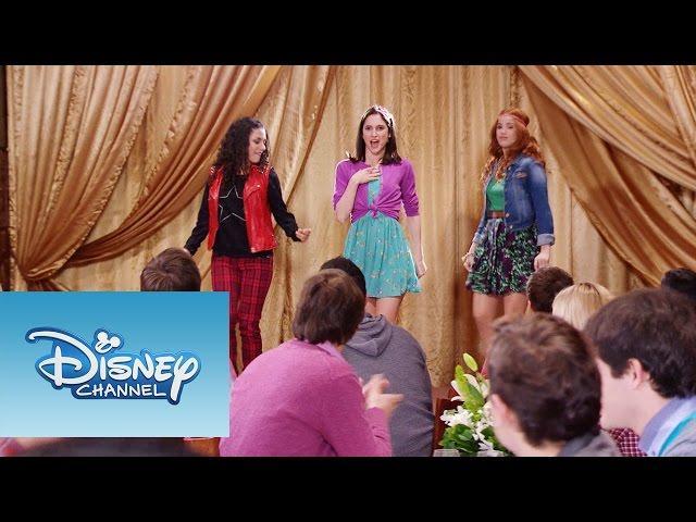 """Violetta: Momento Musical: Naty, Fran y Camila interpretan """"Encender nuestra luz"""""""