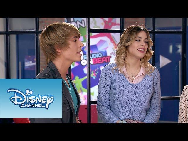 "Violetta: Momento Musical: Violetta y Felipe cantan ""Nuestro camino"""