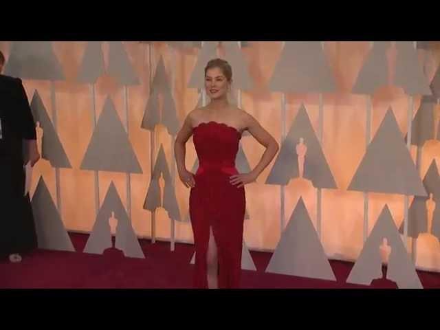 Oscars: Rosamund Pike Red Carpet Fashion (2015)