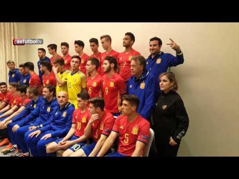 Los internacionales Sub-17 se han hecho las fotos oficiales de la Eurocopa