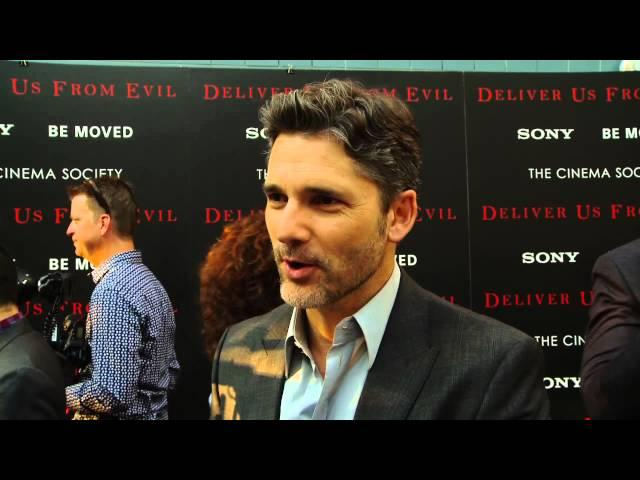 """Deliver Us from Evil: Eric Bana """"Ralphie Sarchie"""" Red Carpet Movie Premiere Interview"""