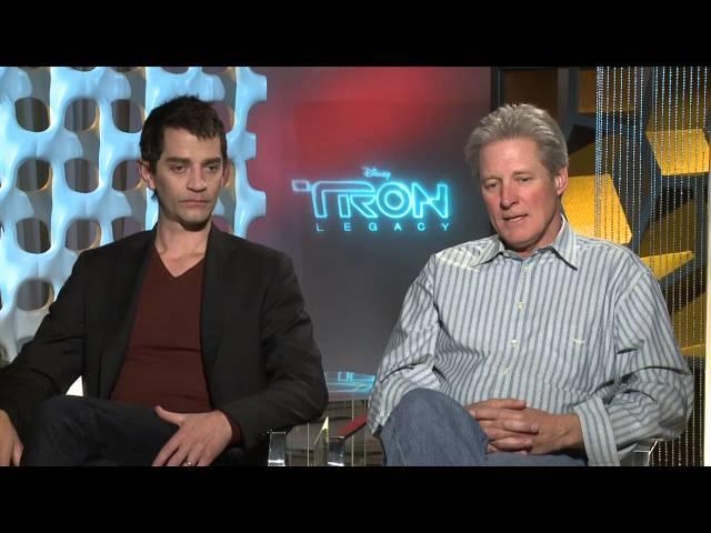 "TRON Legacy: Bruce Boxleitner ""Alan BradleyTron"" & James Frain ""Jarvis"" Exclusive Interview"